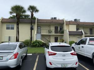 130  Lake Meryl Drive 227 For Sale 10642667, FL