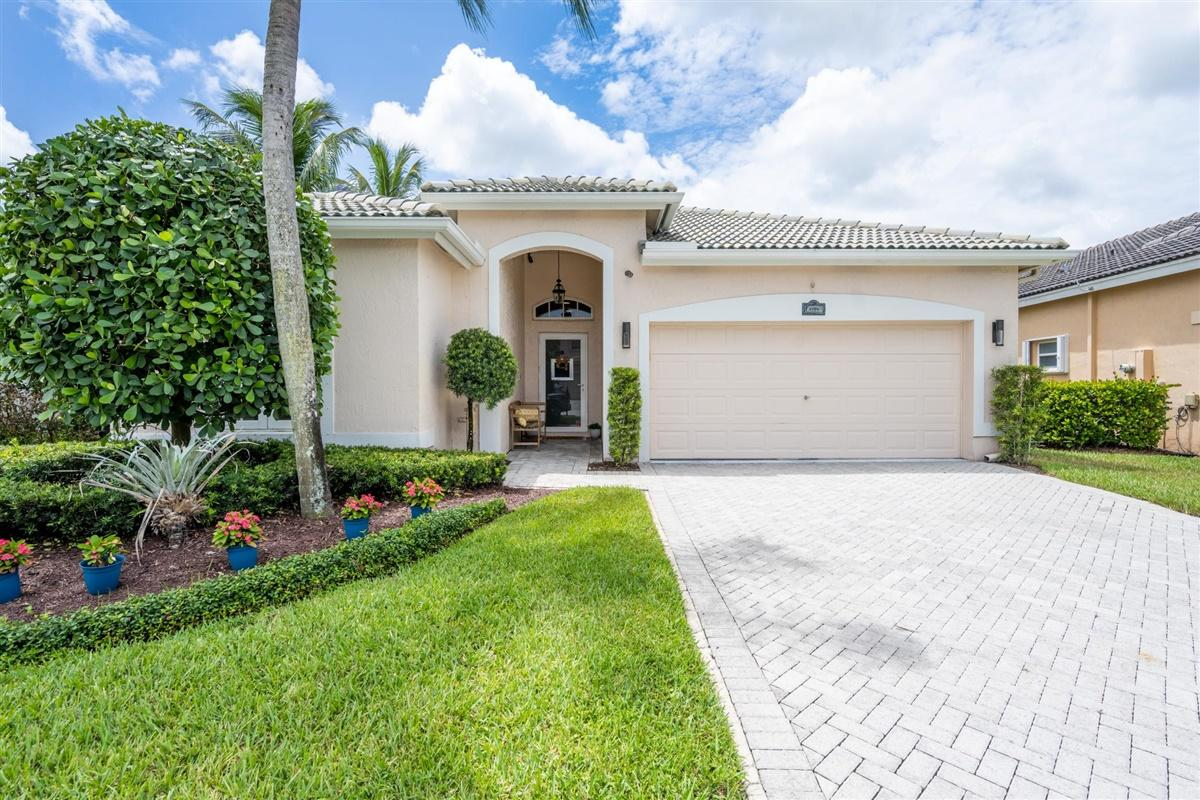 Home for sale in ORANGE POINT TR C Wellington Florida