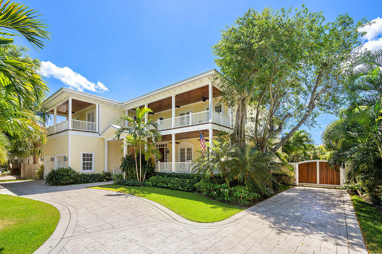 220 Essex Lane West Palm Beach, FL 33405 photo 1