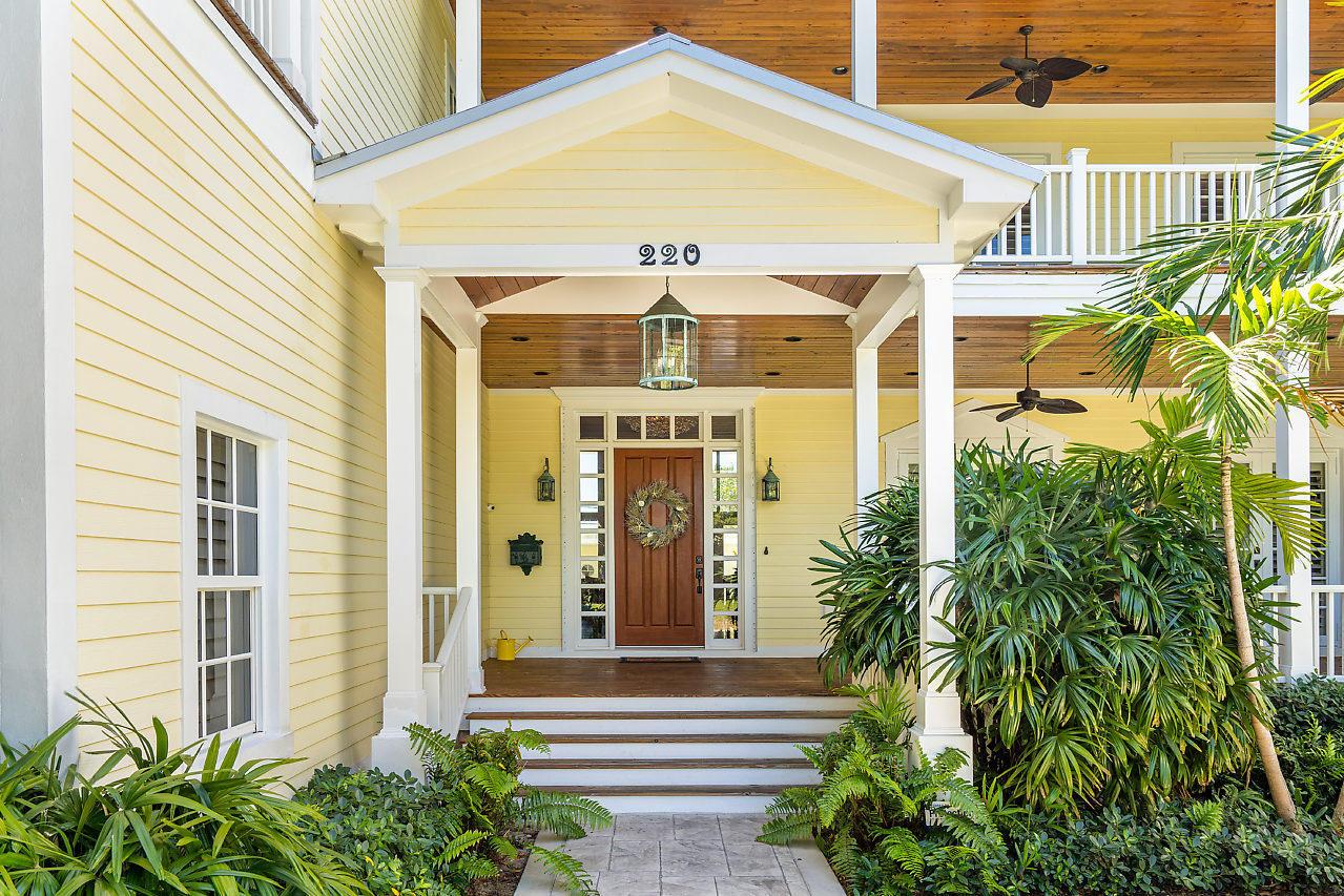 220 Essex Lane West Palm Beach, FL 33405 photo 2