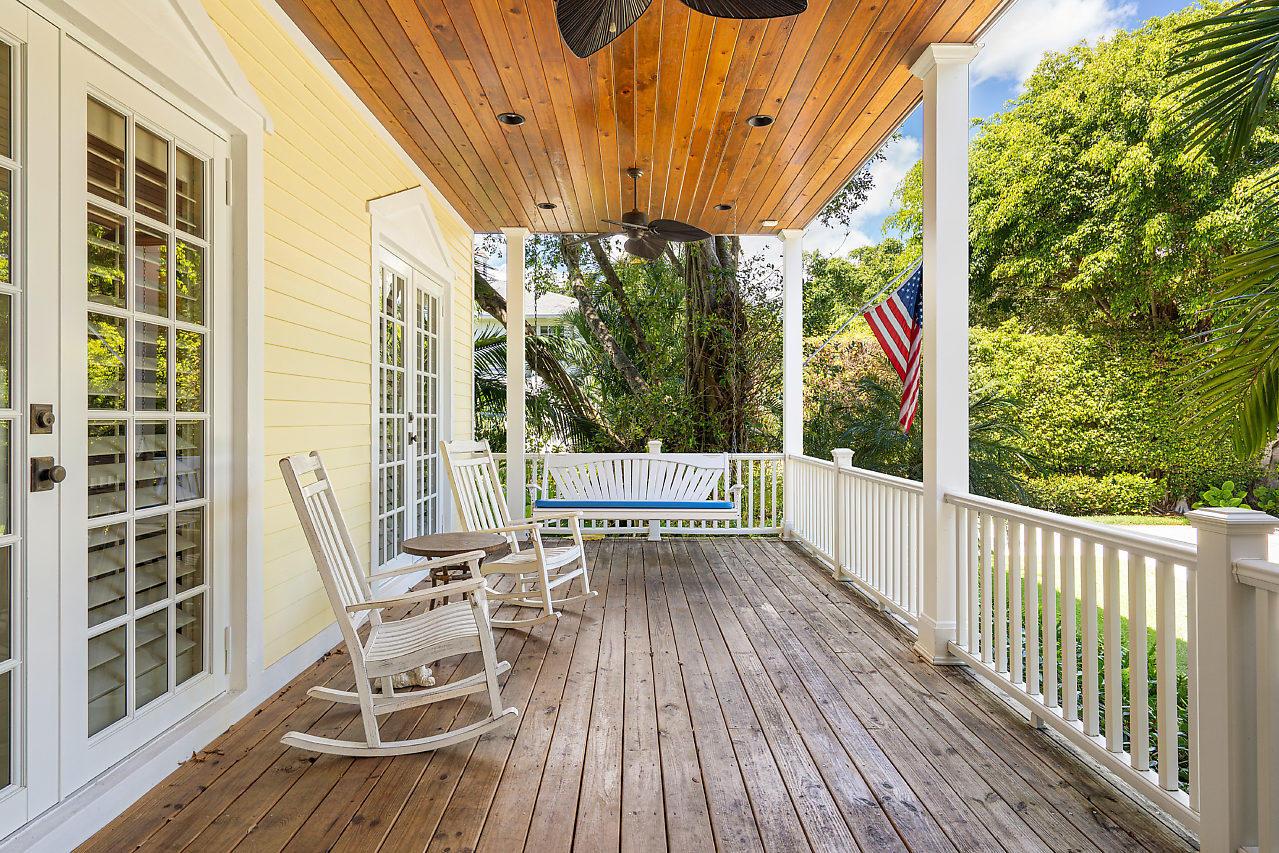 220 Essex Lane West Palm Beach, FL 33405 photo 5