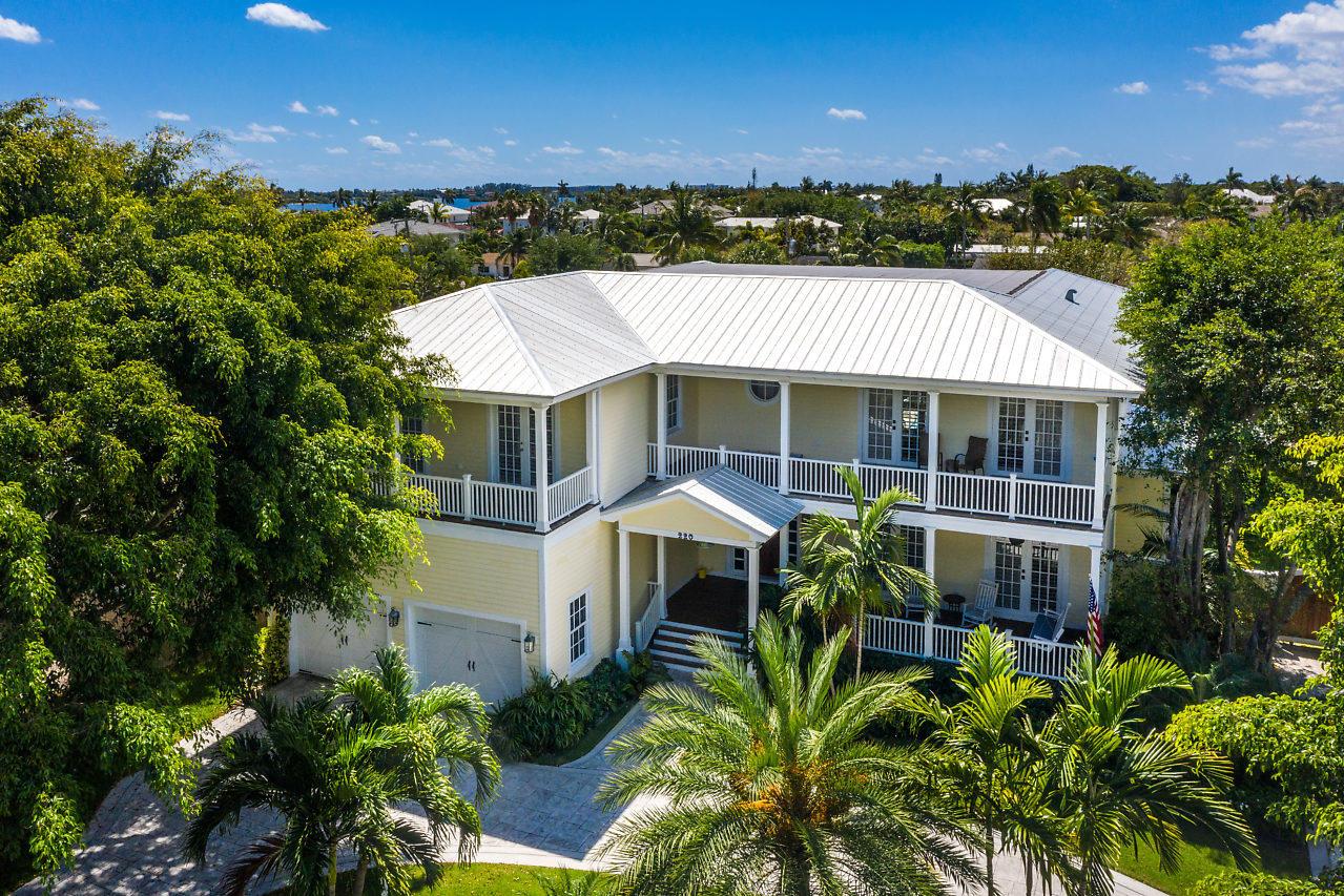 220 Essex Lane West Palm Beach, FL 33405 photo 3