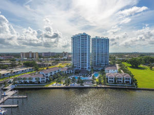 1  Water Club Way 2003 For Sale 10643238, FL