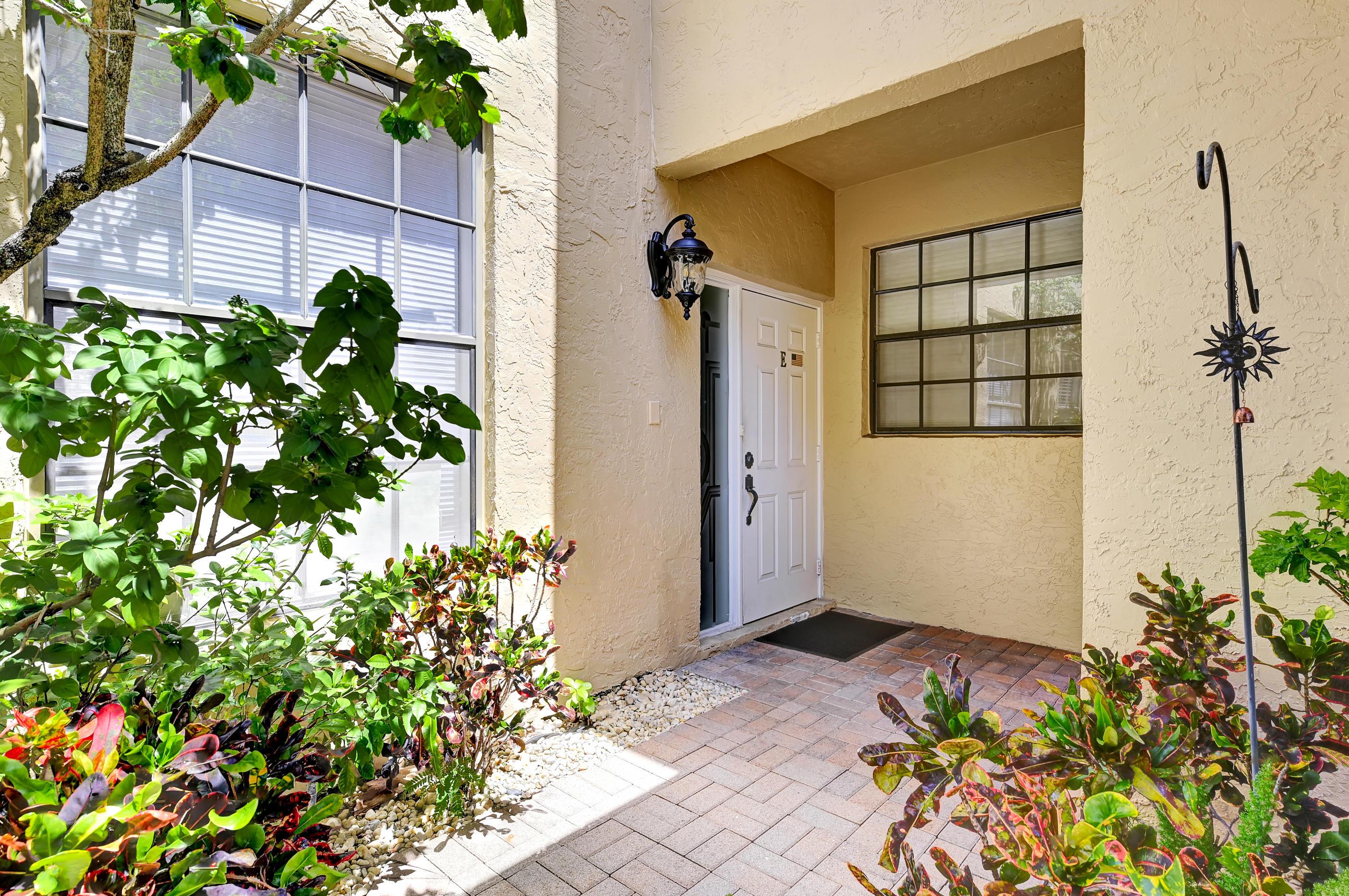 6746 Montego Bay Boulevard E Boca Raton, FL 33433 photo 2