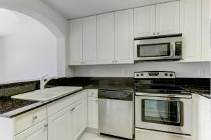 2913  Hidden Hills Road 2308 For Sale 10643717, FL
