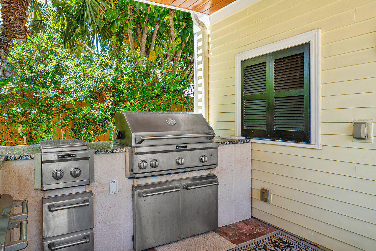 221 Greenwood Drive West Palm Beach, FL 33405 small photo 27