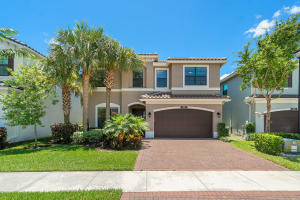 8102  Ironstone Drive  For Sale 10643168, FL