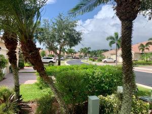 2175  Stonington Terrace  For Sale 10643872, FL