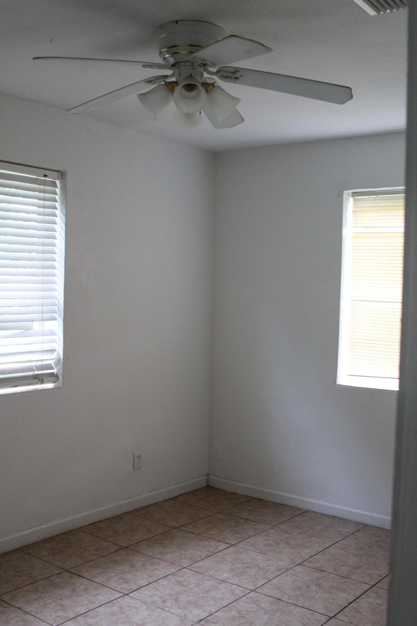 3025 Ridgeway Avenue West Palm Beach, FL 33405 photo 4