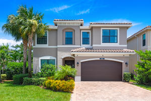 8101  Ironstone Drive  For Sale 10643833, FL