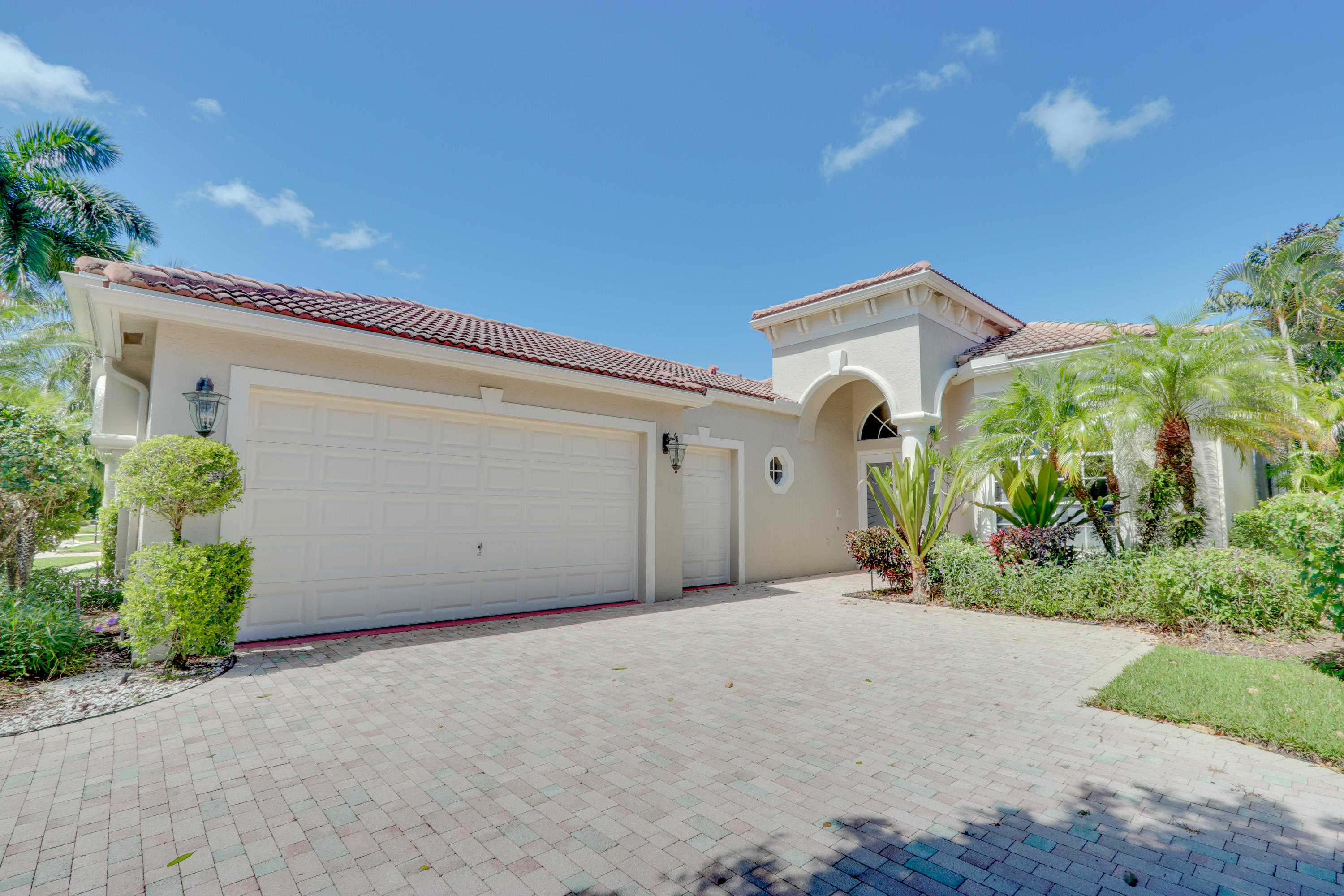 Home for sale in Wycliffe - Manchester Lakes Wellington Florida