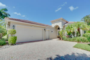 3841  Newhaven Lake Drive  For Sale 10643992, FL
