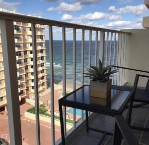 4511 S Ocean Boulevard 802 For Sale 10643771, FL