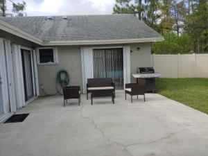 1102  Hyacinth Place  For Sale 10643855, FL