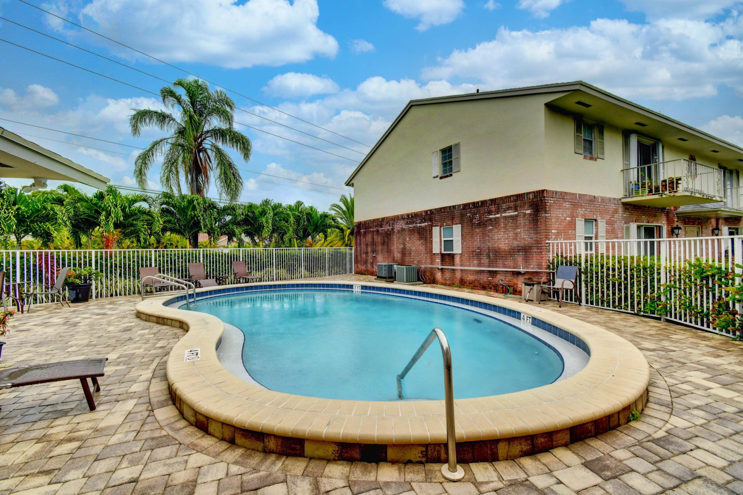 Home for sale in SQUIRE HILL CONDO Boynton Beach Florida