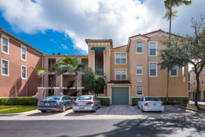 11730  Saint Andrews Place 302 For Sale 10643994, FL