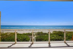 1006  Ocean Drive  For Sale 10644165, FL