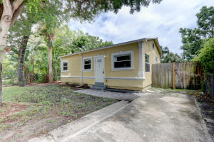 815  Briggs Street  For Sale 10644500, FL