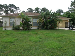621 NW Selvitz Road  For Sale 10645077, FL