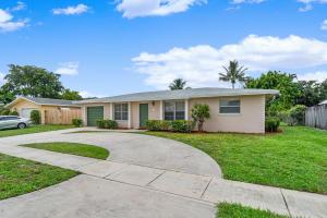 1760 SW 10th Street  For Sale 10645421, FL