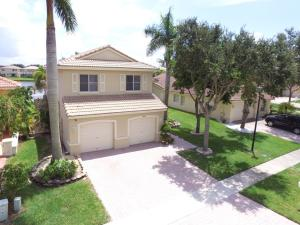 4997  Victoria Circle  For Sale 10646743, FL
