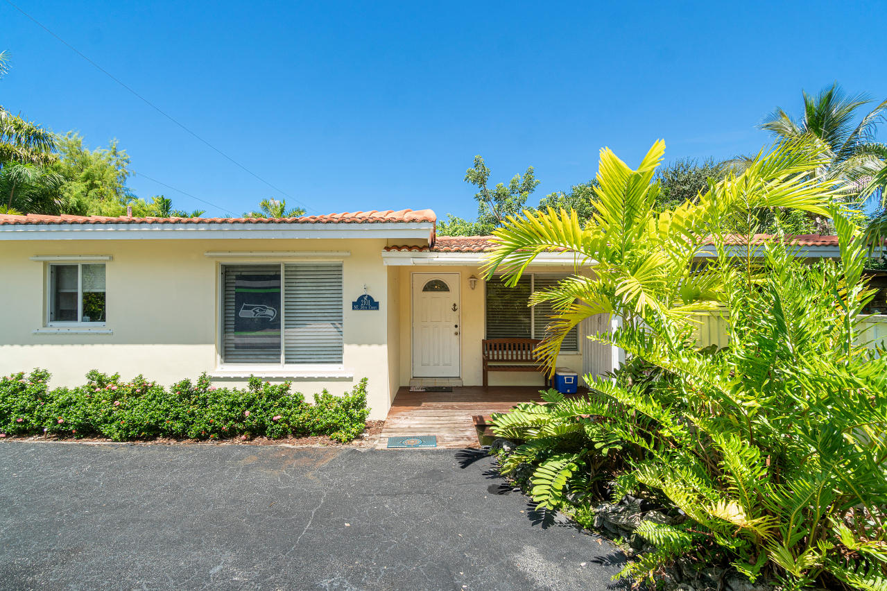 Home for sale in LIGHTHOUSE POINT EXT 2ND SEC Lighthouse Point Florida