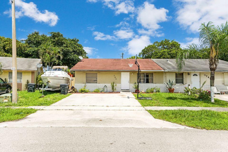 1786 Keenland Circle West Palm Beach, FL 33415
