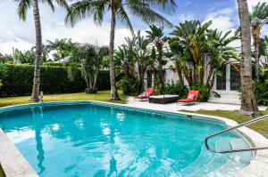 207  Bahama Lane  For Sale 10645698, FL