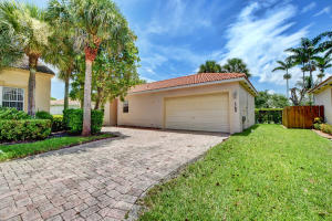 1789  Pierside Circle  For Sale 10645899, FL