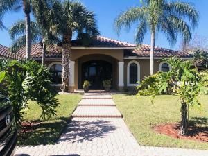 9001 S Kendale Circle Lake Worth, FL 33467