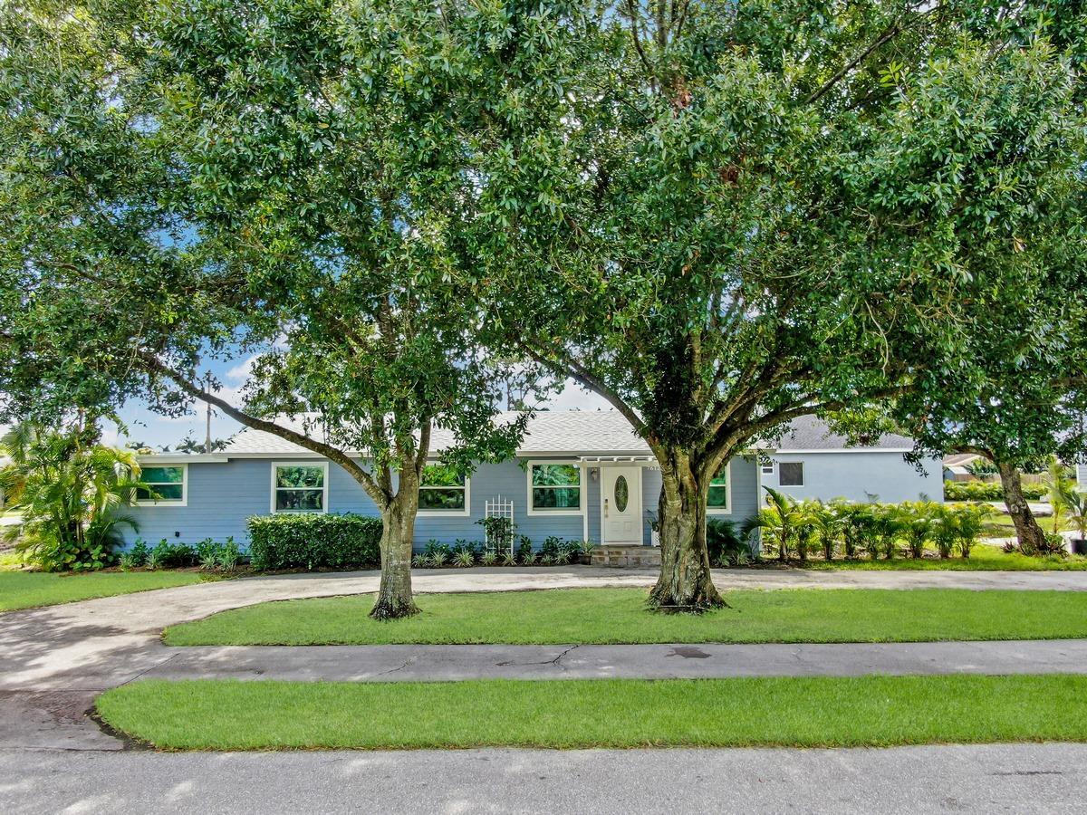 7612 Seabreeze Drive Lake Worth, FL 33467