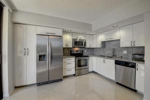 5310  Las Verdes Circle 219 For Sale 10645877, FL