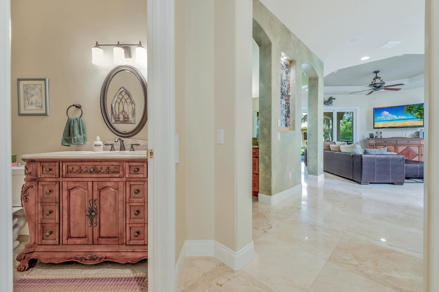 14235 Equestrian Way-large-032-5-GuestBa