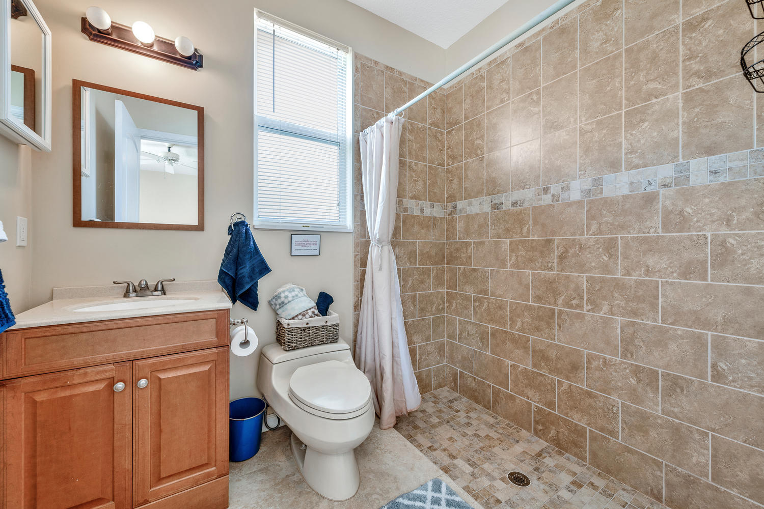 14235 Equestrian Way-large-063-34-GuestH