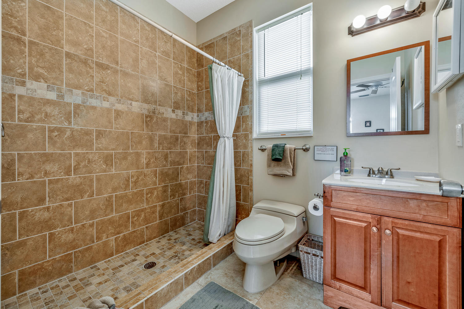 14235 Equestrian Way-large-067-70-GuestH