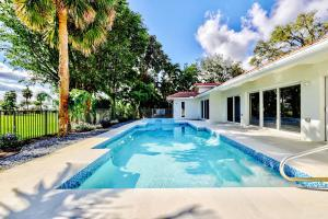 3773  Red Maple Circle  For Sale 10464853, FL
