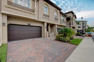 3113  Waterside Circle  For Sale 10650244, FL