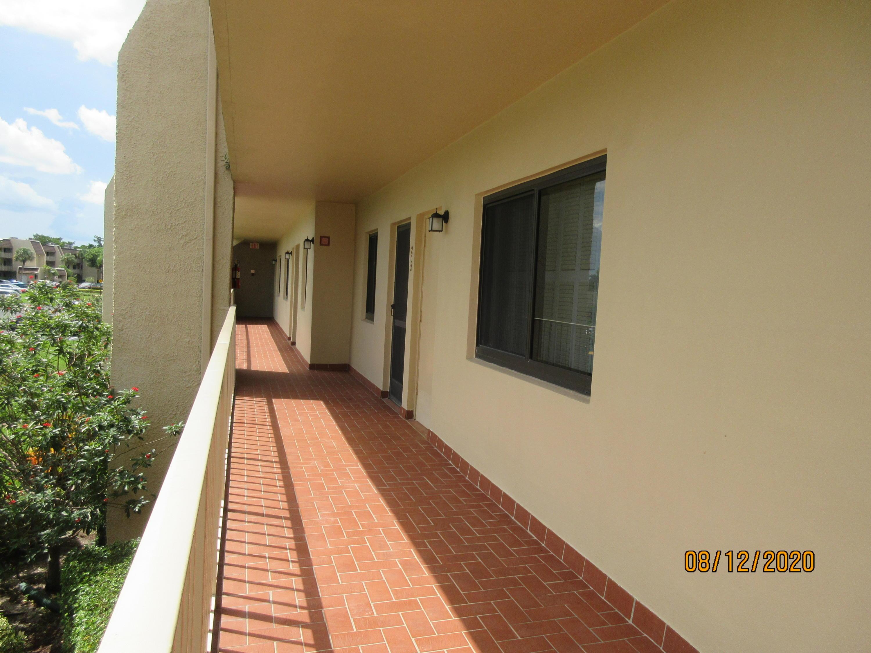 4248 Deste Court 203 Lake Worth, FL 33467 photo 3