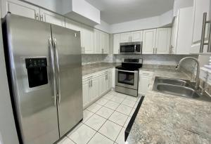 161 NW 14th Court  For Sale 10646383, FL