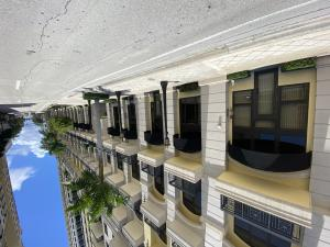 701 S Olive Avenue 101 For Sale 10646525, FL