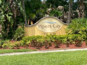 893  Pipers Cay Drive  For Sale 10646599, FL
