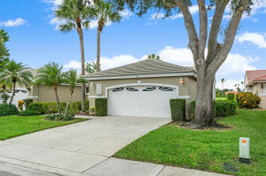 2681  Country Golf Drive  For Sale 10645428, FL