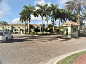 340  Crestwood Circle 101 For Sale 10647470, FL