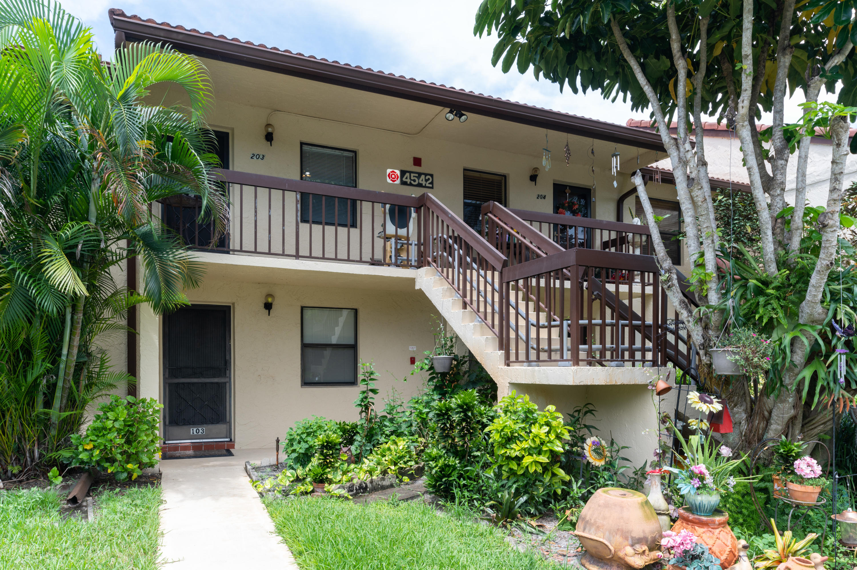 Home for sale in LUCERNE LAKES GOLF COLONY CONDOS Lake Worth Florida