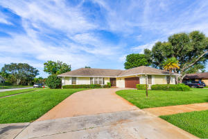 1701  Wyndcliff Drive   For Sale 10647009, FL
