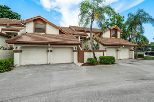 12628  Shoreline Drive 9e For Sale 10647215, FL