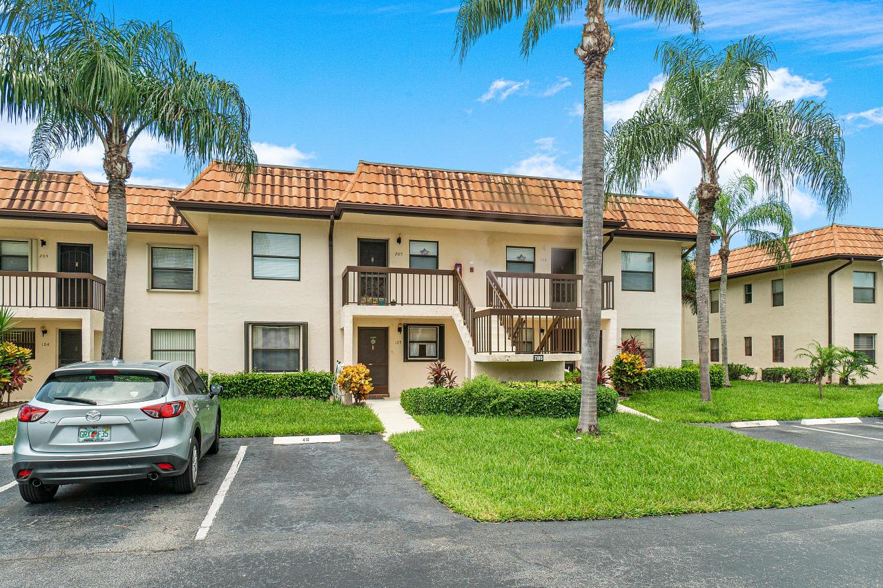 7185 Golf Colony Court 105 Lake Worth, FL 33467 photo 4