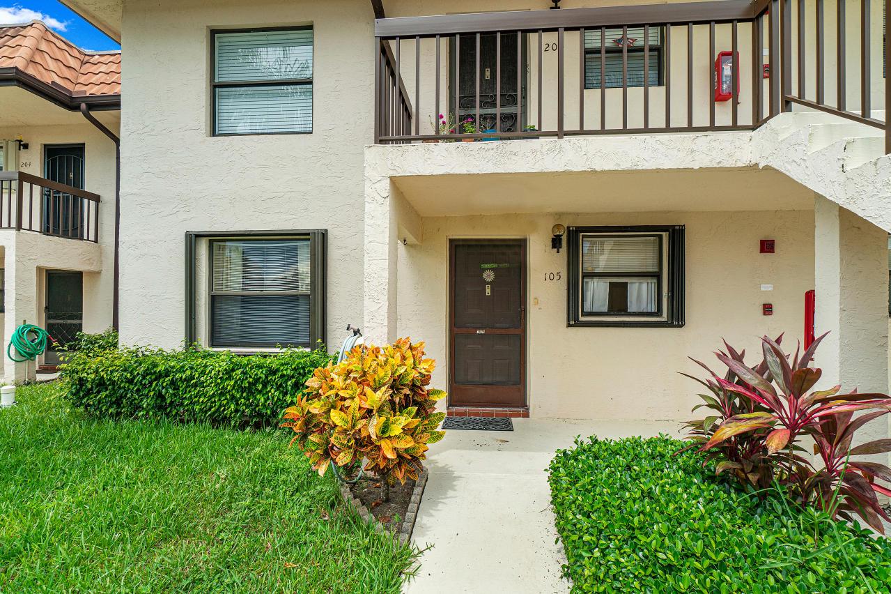 7185 Golf Colony Court 105 Lake Worth, FL 33467 photo 6