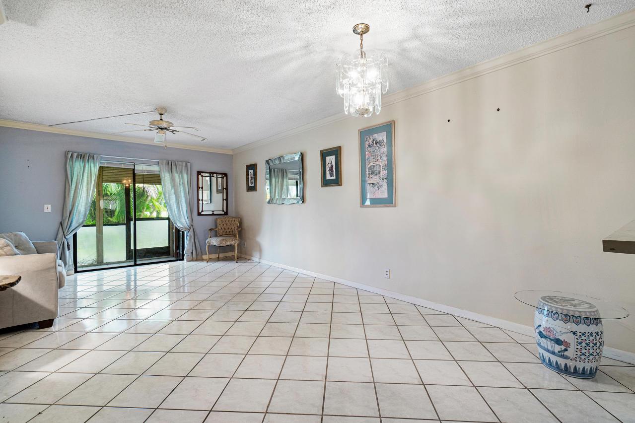 7185 Golf Colony Court 105 Lake Worth, FL 33467 photo 11