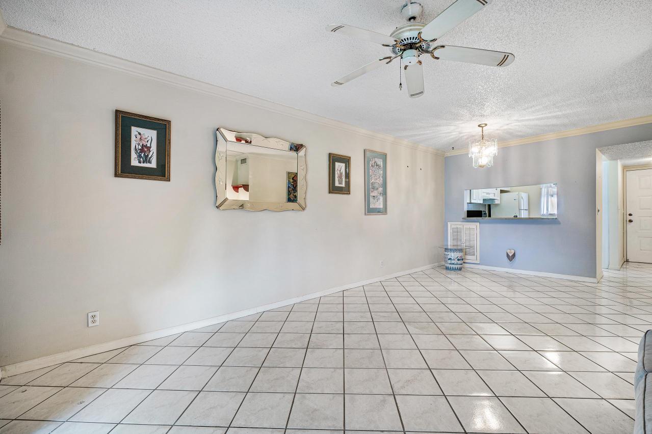 7185 Golf Colony Court 105 Lake Worth, FL 33467 photo 13